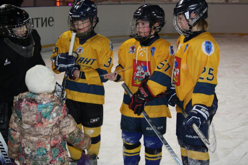 хоккейный матч 8