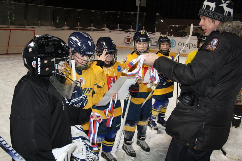 хоккейный матч 9